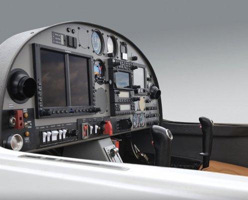 detail of a one air da20 cockpit with garmin g500