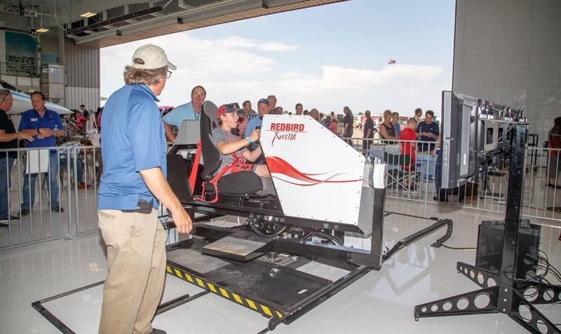 Full Motion Redbird Simulator - Grupo One Air